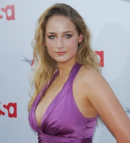 leeleesobieski redcarpet cleavage blonde 08